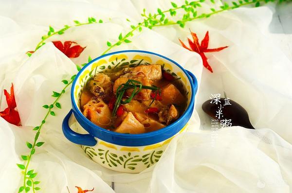 莲藕煲排骨汤的做法是什么