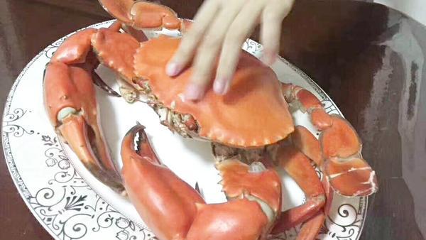 青蟹里面黑色膏能吃吗 青蟹里面黑的是什么东西