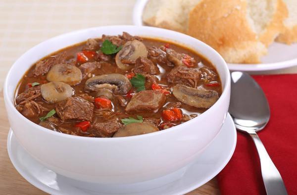 牛肉蘑菇汤的做法