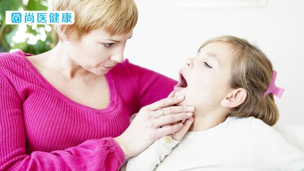 小孩喉咙发炎发烧怎么办,小孩嗓子发炎发烧怎么办,小孩喉咙发炎引起发烧怎么办