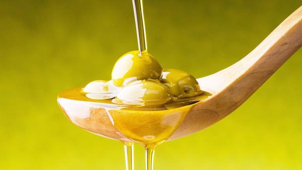 橄欖油可以擦身躰嗎,橄欖油擦身上好嗎,橄欖油可以塗抹身上嗎