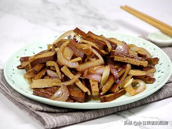 木耳干豆腐炒肉丝的做法