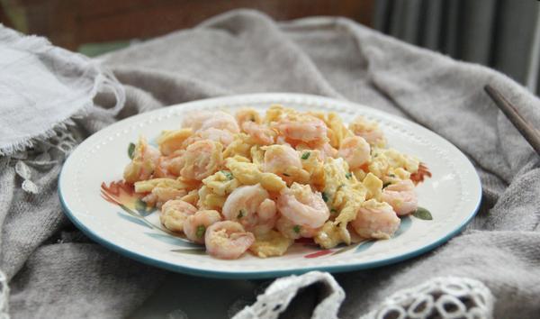 大虾究竟可以和鸡蛋一起吃吗
