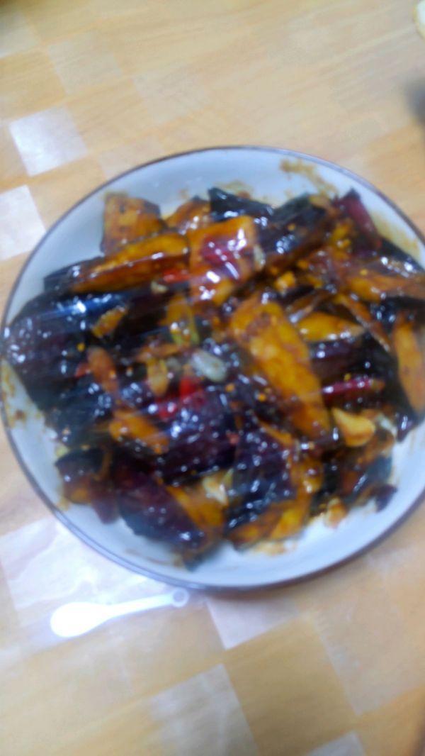 吃茄子的饮食禁忌,茄子+螃蟹危害肠胃!