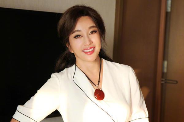 刘晓庆和谢晋感情揭秘 刘晓庆和谢晋有儿子吗