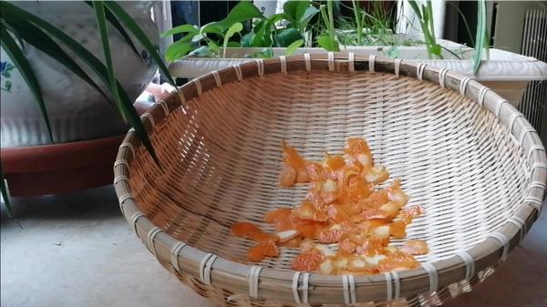 怎么腌制新鲜橙皮,橙子怎么剥得到完整的皮