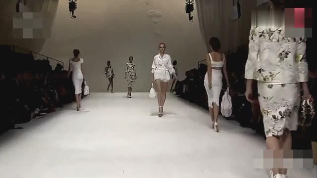 巴黎时装周 法国透明时装美女走秀 秋冬高清全时装秀