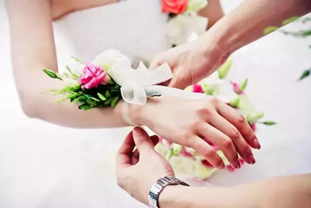 一看就会的新娘丝带手腕花制作教程