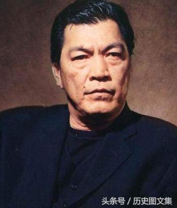 成奎安年轻照片