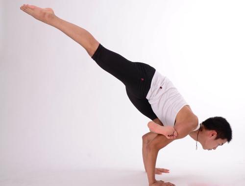 8个适合男性的瑜伽动作提升健康