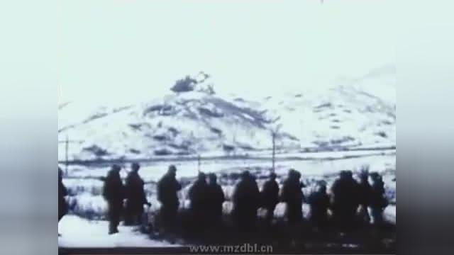 珍贵视频:麦克阿瑟说要让战场士兵回家过圣诞,结果食言了!