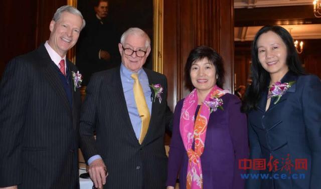 中华文化基金会举行节日庆典 为中美友好使者颁奖
