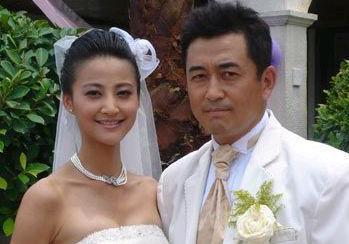 王志飞现任妻子是张定涵吗 夫妻同场寸步不离显恩爱_秀目网