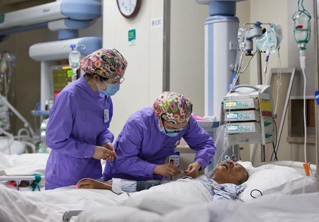 奇迹出现的地方--走进(EICU)急诊重症监护室_手机搜狐网