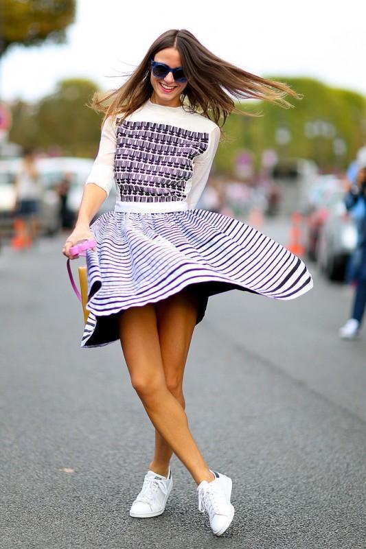 運動鞋搭配裙子圖片女