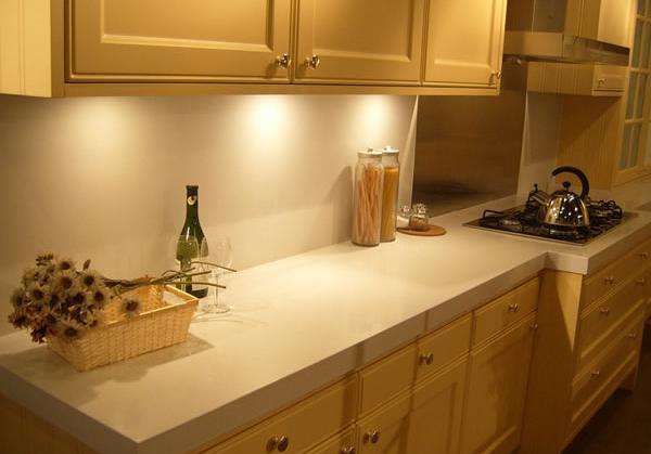 厨房台面石英石效果图