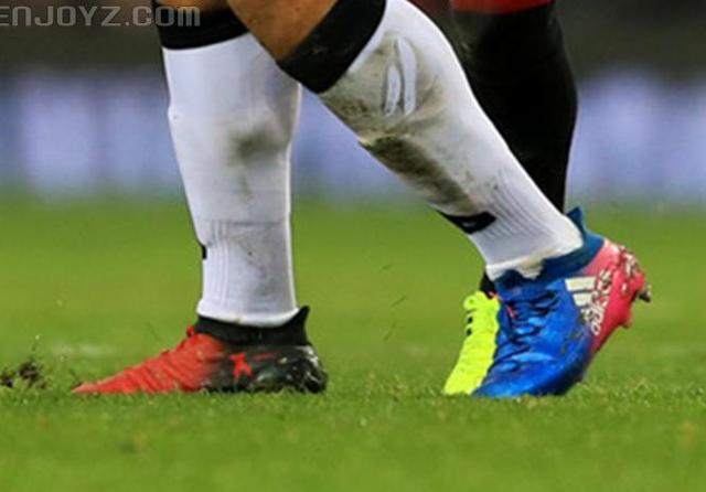 agfg足球鞋