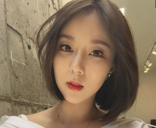韩国一个妹子的化妆术,经过她的化妆,女孩们简直判若两人