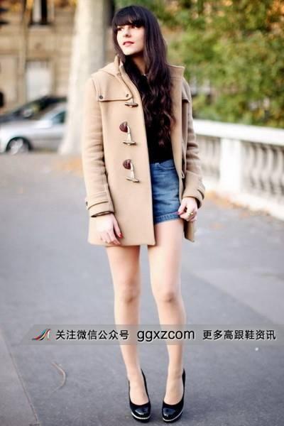 美女穿高跟鞋