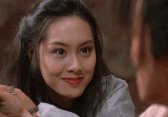 朱茵眨眼,只有回眸一笑百媚生才能形容的出。