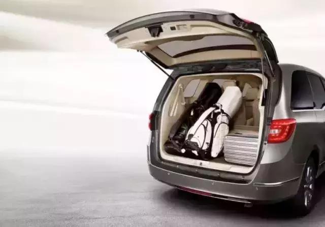全新别克GL8商旅车28T车型上市 满足国六排放标... -别克官方网站