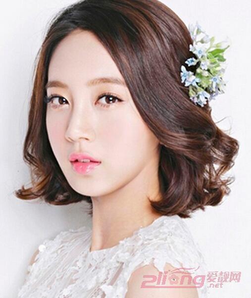 新娘鲜花满天星发型