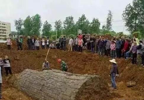 东汉时期古墓砖图片