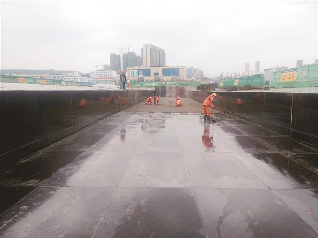 嵊州:杨港路东延工程跨线桥 现浇箱梁开始施工