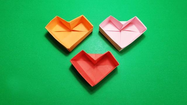 快速折带盖爱心礼品盒子 心形收纳盒子 漂亮又实用的折纸盒子