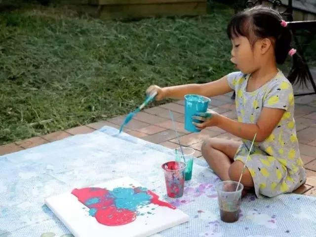 惊艳!5岁女孩的画震惊世界!