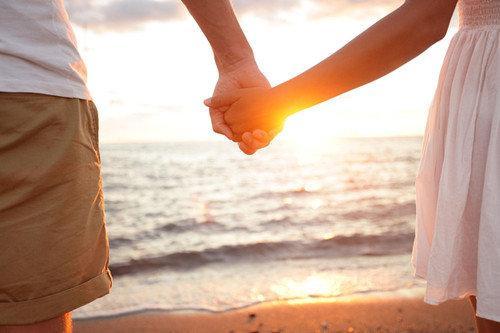 手牵手的情侣图片_牵着手一辈子_情侣图片_