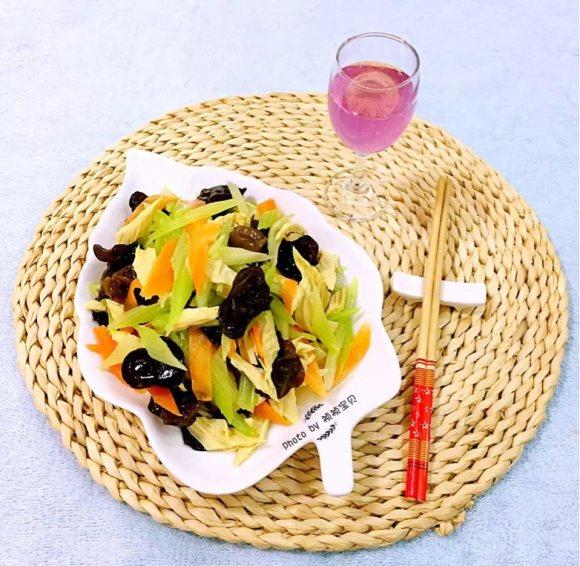 凉拌时蔬的做法【步骤图】_菜谱_美食杰