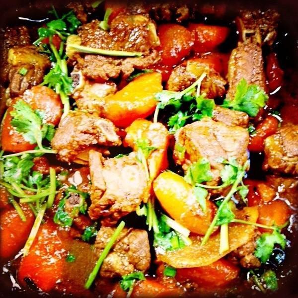 胡萝卜炖排骨怎么做_胡萝卜炖排骨的做法_豆果美食