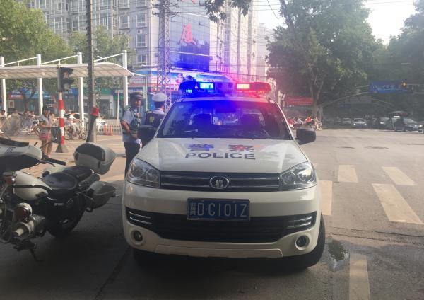 交警警车卡通