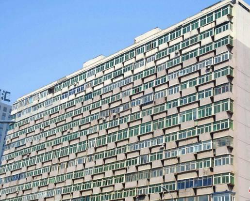 【图】密密麻麻!大楼现300多阳台 阳台大楼脸贴脸... _【保障网】
