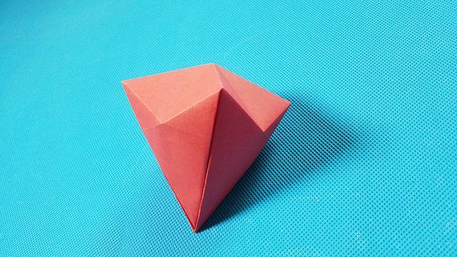 趣味手工折纸钻石的制作教程 - 纸艺网手机版
