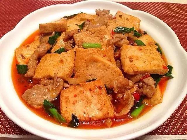豆腐的家常做法,简单几步,豆腐鲜嫩又入味,下饭吃正合适