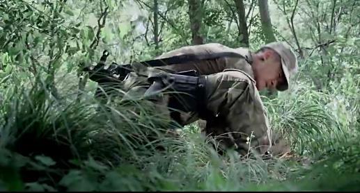 《战狼》中吴京饰演的冷锋是怎么排除地雷 网友给出了惊人的解答