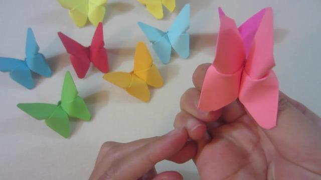 漂亮的立体小蝴蝶折纸,做法很简单,用来装饰美美哒