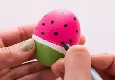 鸡蛋壳手工制作教程:鸡蛋不倒翁 - 5068儿童网