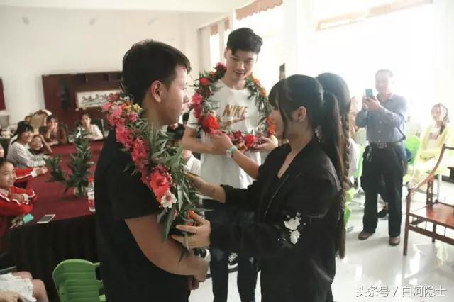邓州春雨国文学校举行保送生远赴国外留学欢送会