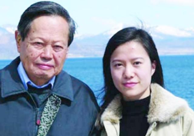 翁帆为什么嫁给杨振宁 老梁说杨振宁翁帆为什么结婚_兵马俑在线