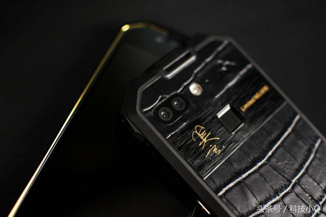 《战狼2》里冷锋用的的纯爷们手机,配置秒杀小米6!
