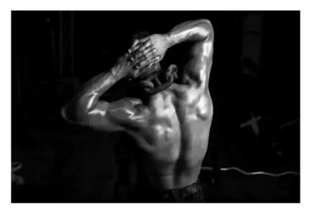 这是我见过最牛X的肌肉猛男插画