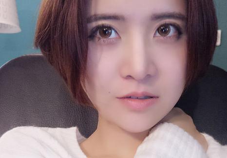"""斗鱼主播陈一发儿又名""""电竞贾玲"""",为什么这么多粉丝喜欢她?"""
