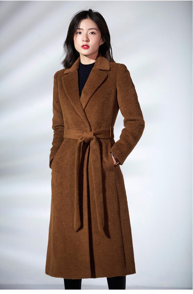 今年流行羊驼绒大衣,总是那么有气质