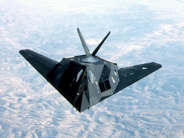 美国八十年代研制出的隐身飞机,造型科幻实战性强