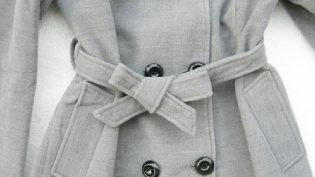 风衣腰带的系法教程 简单实用又时髦,先收藏了再学哦