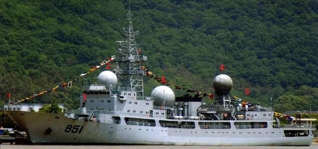 乐高拼装侦察船图片