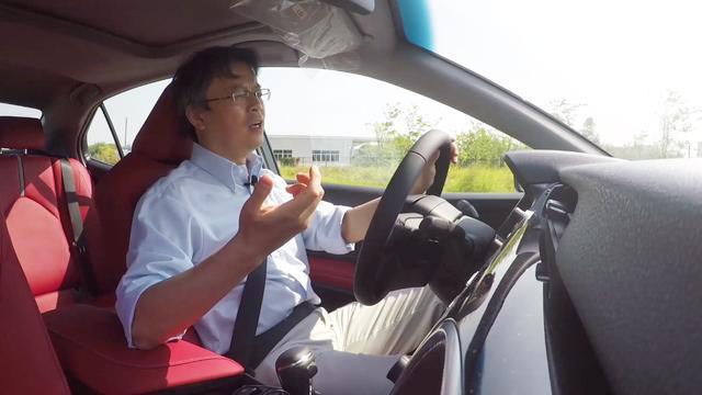 夏东评车:日本丰田新凯美瑞动态测评,国内版本到底有没有减配